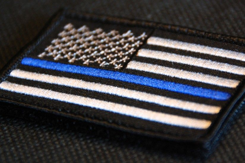 Displaying 16> Images For - Thin Blue Line Flag.