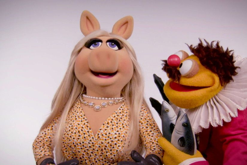 Miss Piggy & Lew Zealand | The Muppets | The Muppets | Disney Video