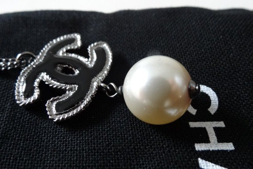 [SOLD] Chanel Logo Pearl Necklace new collection SS13 ! Black Chanel Logo  w/Pearl ! - YouTube
