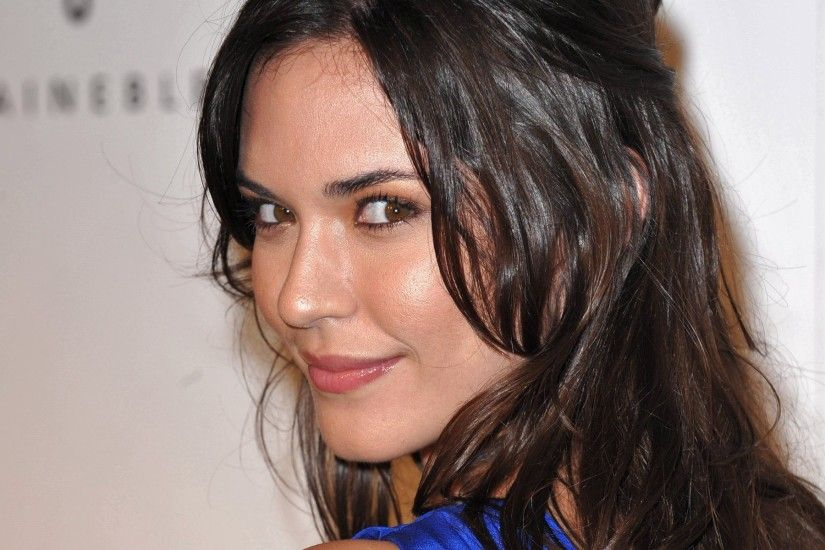 15 Gorgeous HD Odette Annable Wallpapers
