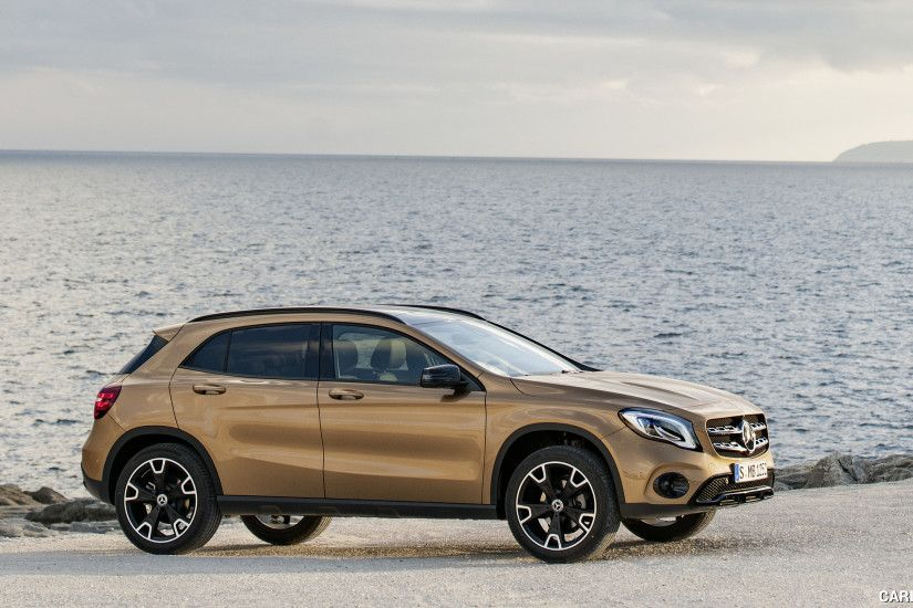 2018 Mercedes-Benz GLA Wallpaper
