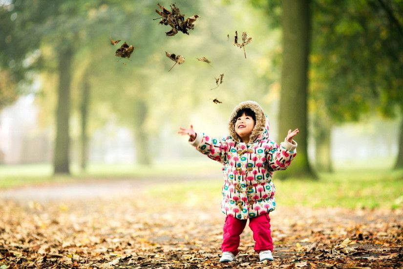 Photography - Child Fall Season Nature Leaf Cute Wallpaper