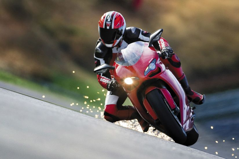 DANGEROUS SPORTS - MOTORCYCLE RACING! - SPARKS FLY OFF KNEE GUARD!