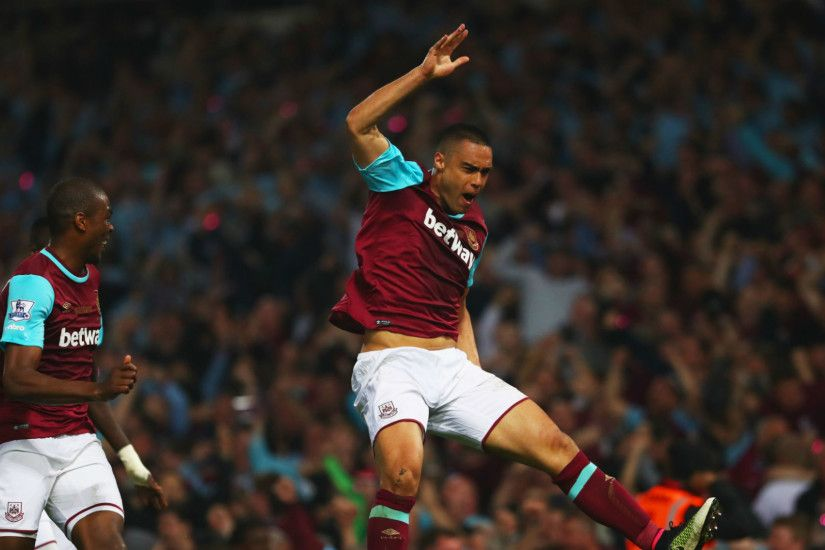West Ham 3-2 Manchester United: Hammers win thriller on last Boleyn Ground  outing
