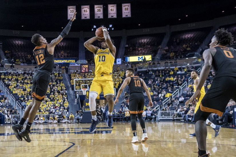 Michigan heads west to face offensive juggernaut UCLA | The Michigan Daily