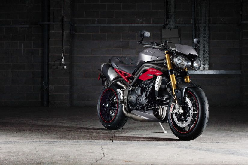Triumph Speed Triple R Bike