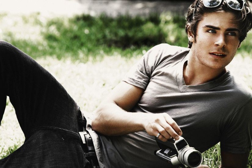 ... Zac Efron Wallpaper ...