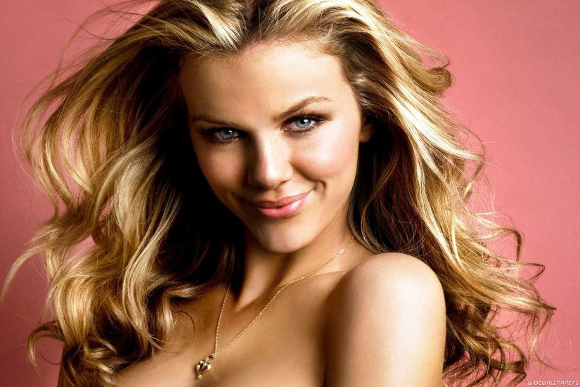 Brooklyn Decker wallpapers