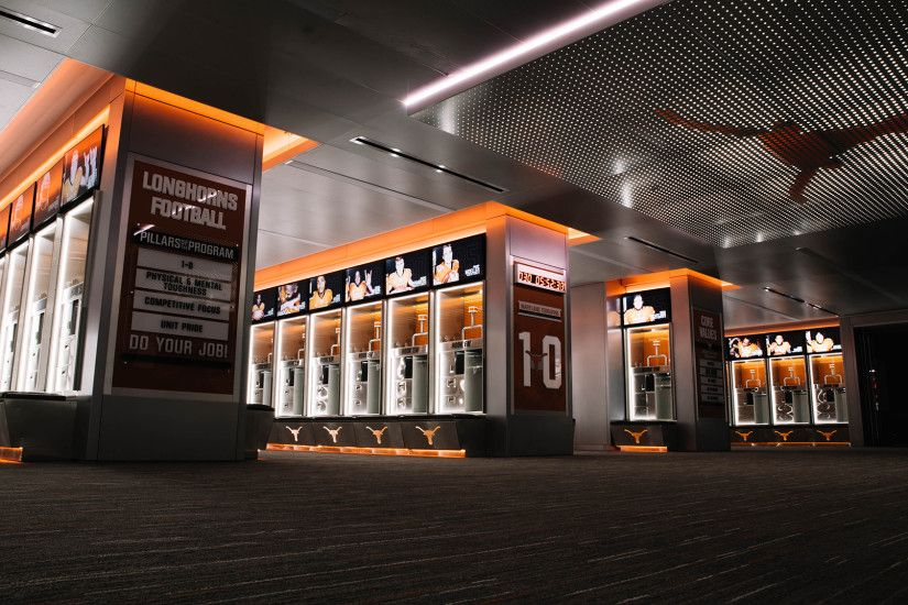 Video: Football Locker Room Reveal [August 4, 2017] - University of Texas  Athletics
