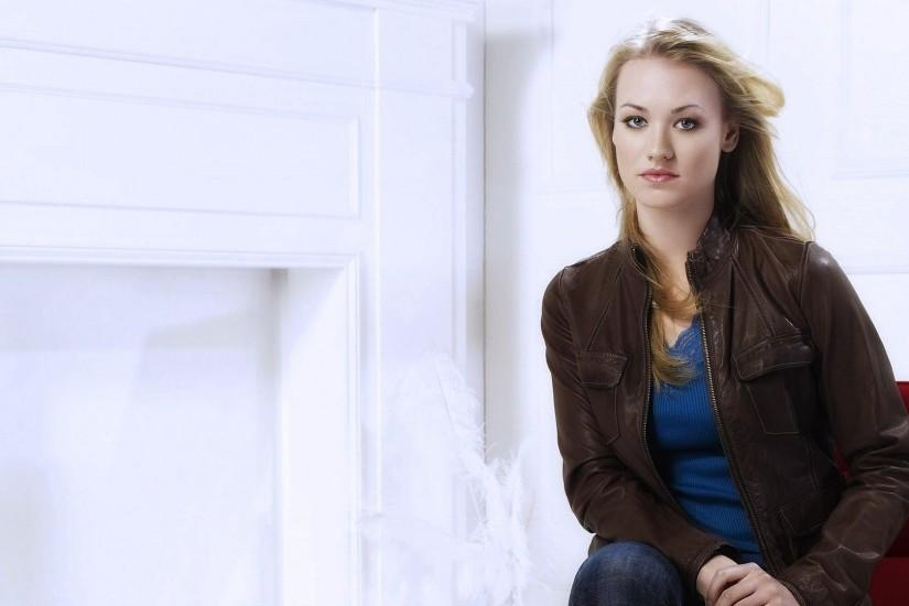 yvonne strahovski desktop wallpaper 3523