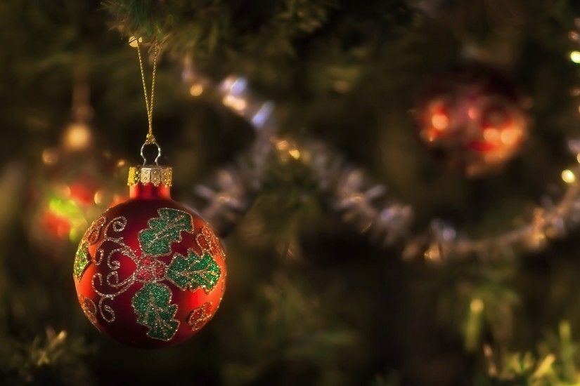 Christmas balls HD Wallpaper