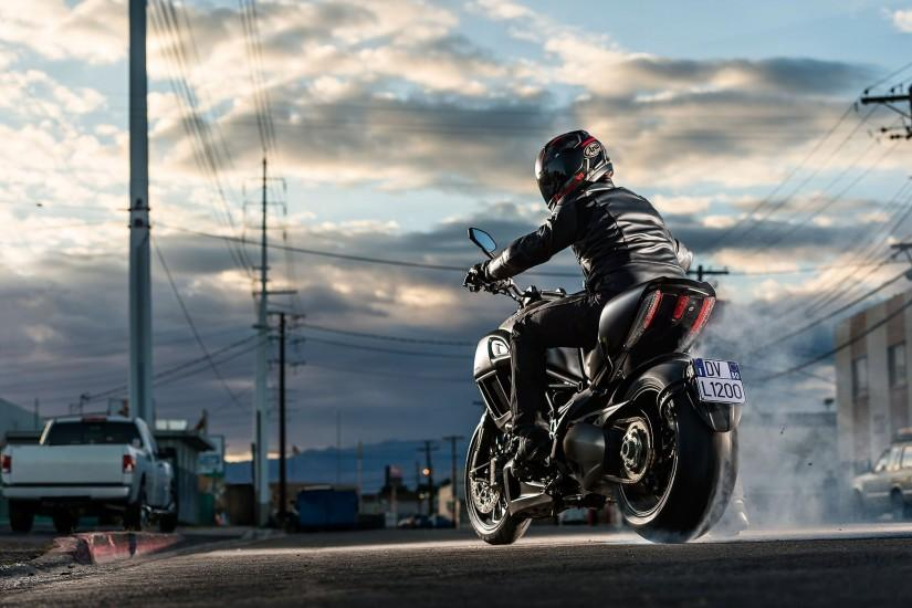 large motorcycle wallpaper 2015x1345 for mac