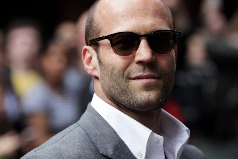 Download Jason Statham Suit Photoshoot Wallpaper
