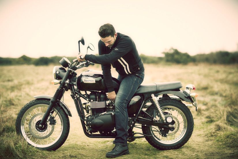 Man On Triumph Bonneville HD Wallpapers