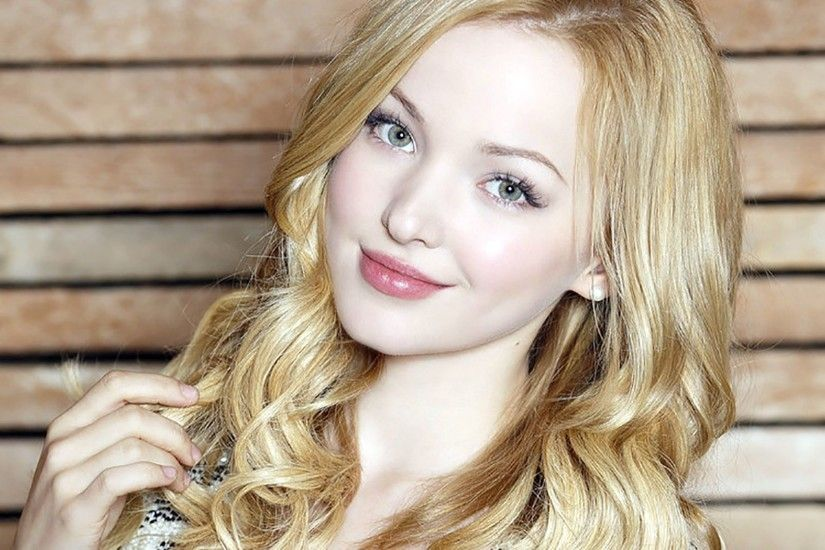 Dove Cameron HD Wallpaper