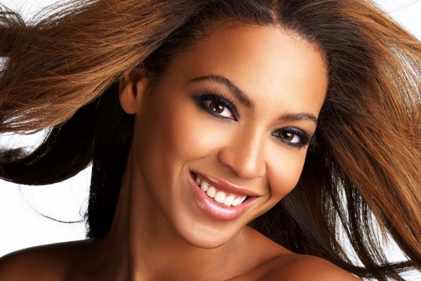 beyonce face smile teeth