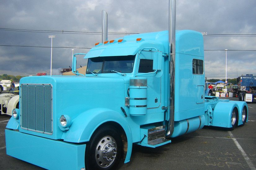 Truck-Peterbilt-Custom-Big-Rig-Semi-Tractor-Wallpaper-
