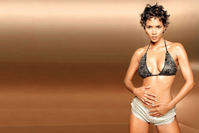 Halle Berry Wallpapers High Resolution and Quality Download