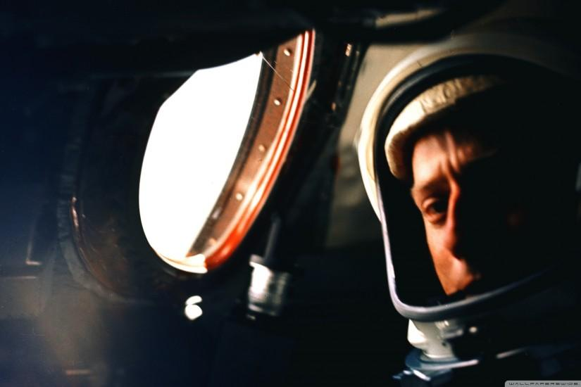 widescreen astronaut wallpaper 2560x1600