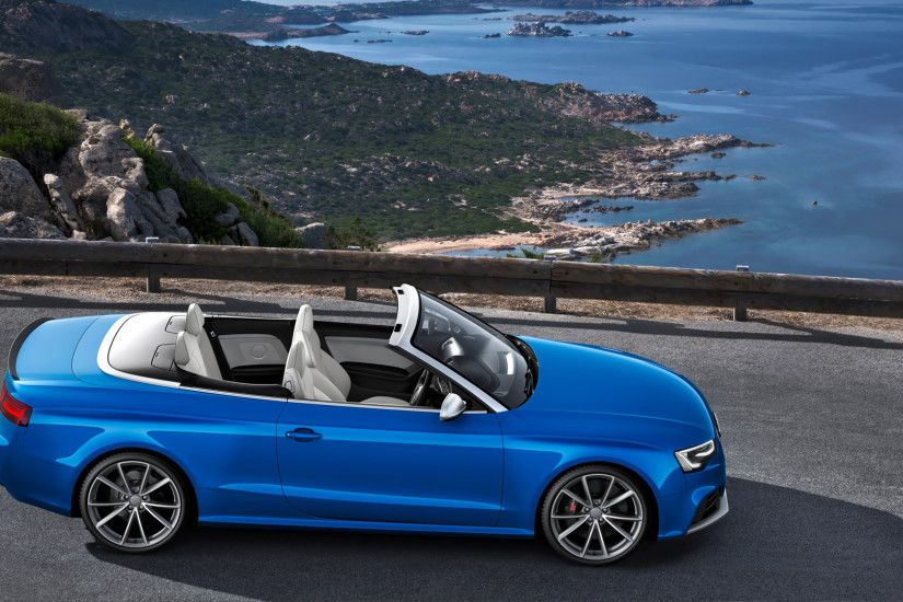 2014 Blue Audi RS5 Cabriolet side view wallpaper