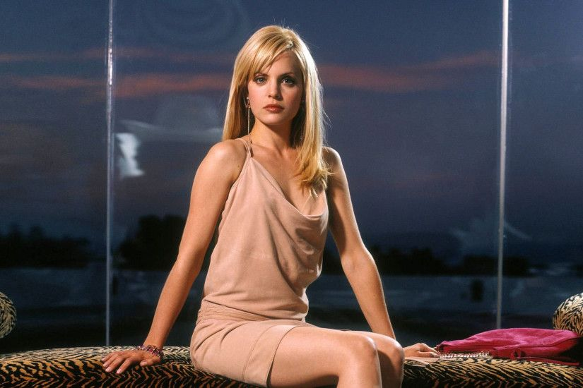HD Mena Suvari Wallpapers 01 ...