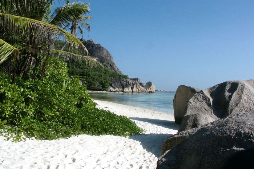 Big Stones And White Sand Beach Background - Beach Wallpapers