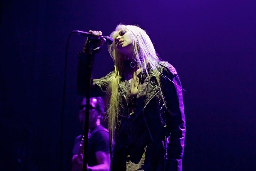 the pretty reckless iphone wallpaper - photo #44. Taylor momsen performs  live at mancheste | picture 120147