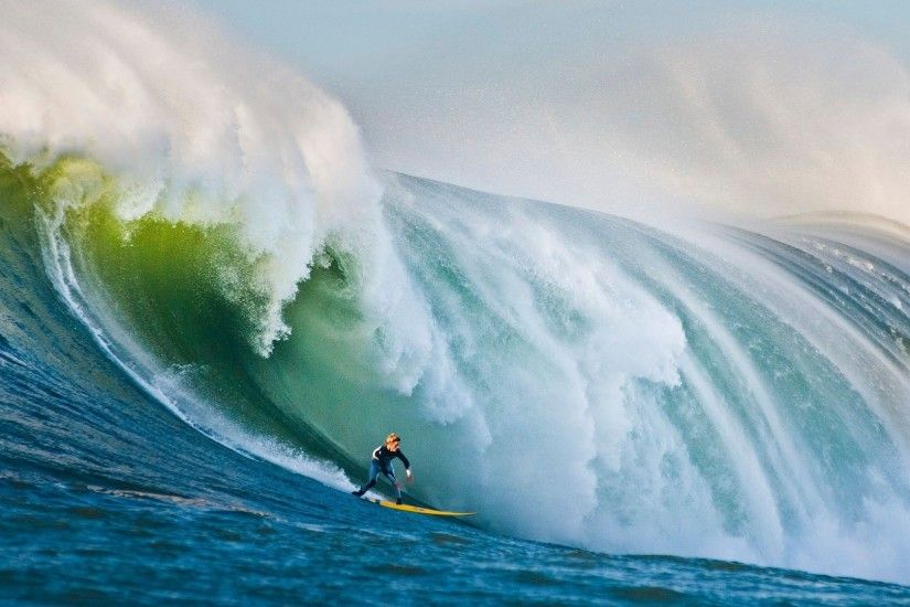 Surfing on Huge Waves Wallpaper Free Surfing on Huge Waves .