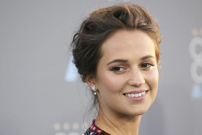 Alicia Vikander Cute Smiley Face Desktop HD Wallpapers