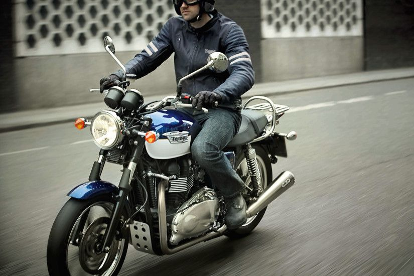 Man Riding Triumph Bonneville Wallpapers