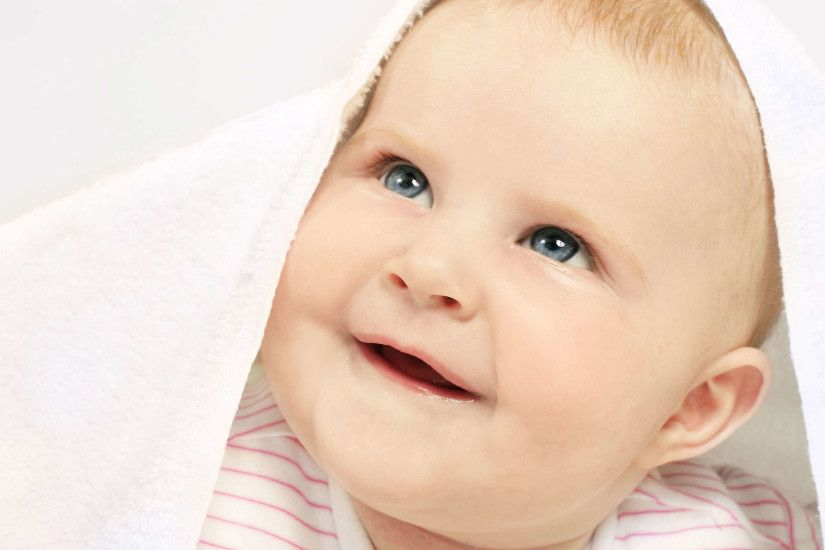 2550x1694 Cute Baby Girls with Smile Pictures Full HD