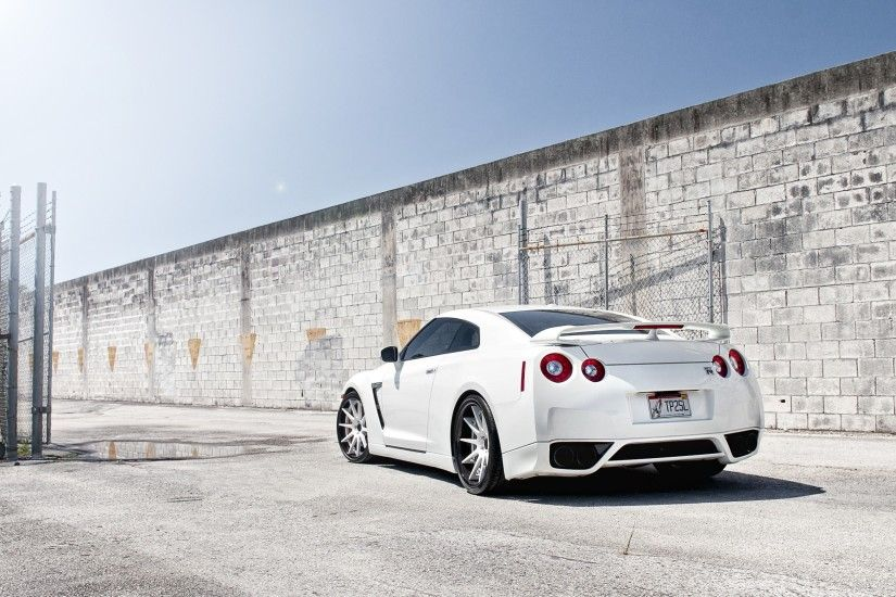 Nissan Skyline GTR R Wallpapers Wallpaper
