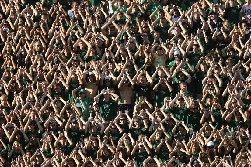 NOTRE DAME Fighting Irish college football crowd people wallpaper .
