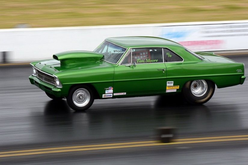 muscle car drag racing race track
