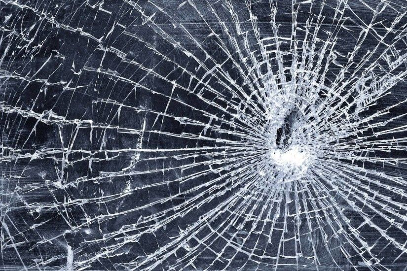 Cracked Screen Wallpaper HD download.