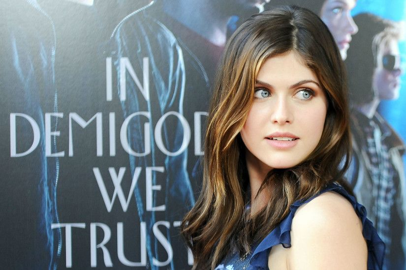 Cute Alexandra Daddario HD Wallpapers