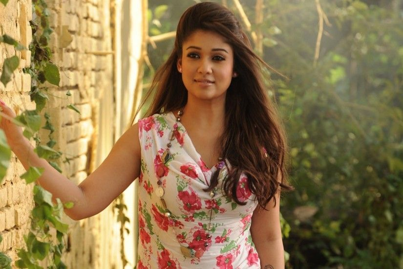 Download Hd wallpaper of Nayantara