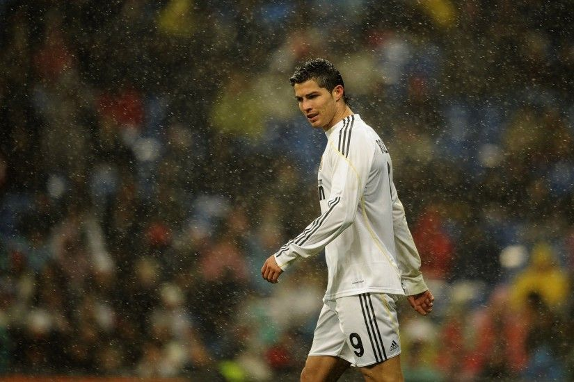 HD Cristiano Ronaldo Real Madrid Wallpaper Backgrounds -  http://www.wallpapersoccer.