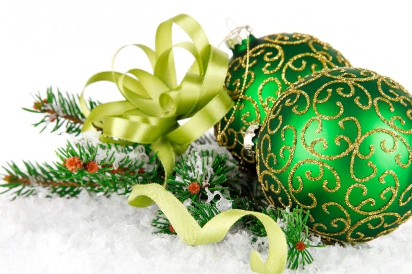 Green Christmas Balls wallpapers