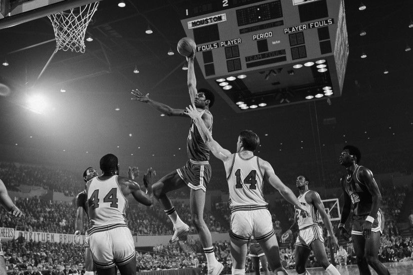 Basketball traditionalists used to loathe the slam dunk, and racism  contributed to the banning of the crowd-pleasing move from college  basketball in 1967.