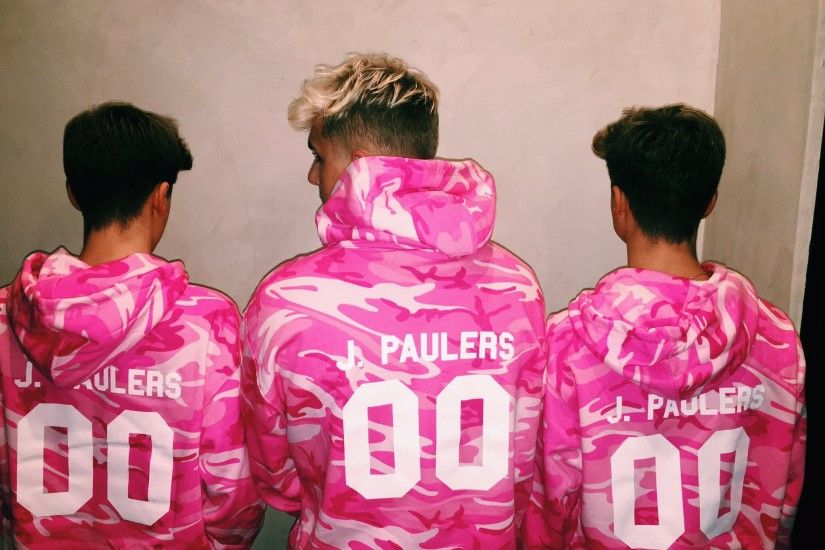 "Jake Paul on Twitter: ""Merch is now up☺all I want for my Birthday is for  you guys to have this stuff😂 GO NOW👇🏼 https://t.co/byyyRErKPr ..."