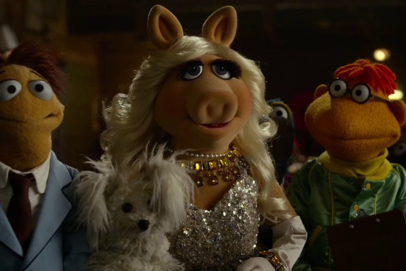 7 Times Miss Piggy Proved Herself the Most Fabulous and Fashionable  Fatshionista You've Ever Seen