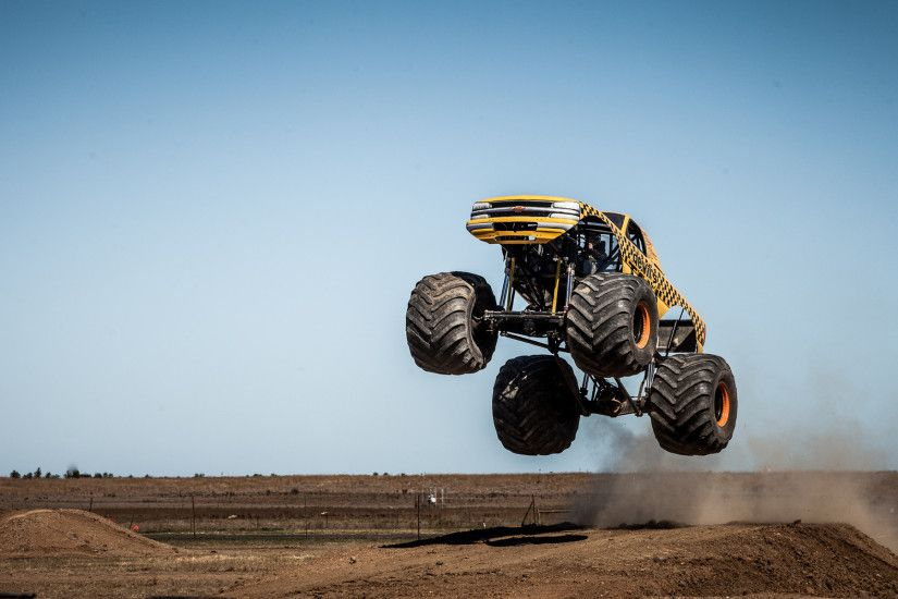 monster truck action backgrounds photo | Car Wallpapers