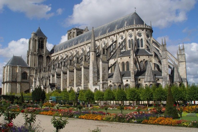 bourges cathedral pic: Wallpapers Collection, 2048x1536 (773 kB)