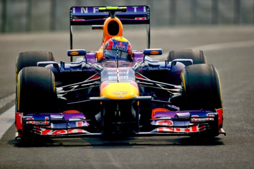 Mark Webber (AUS/ Red Bull Racing) ...