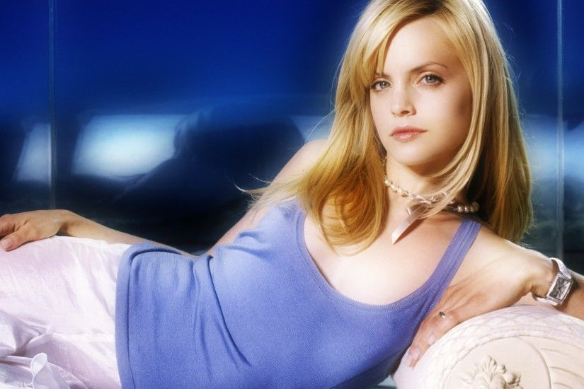 mena suvari wallpaper 16 -#main