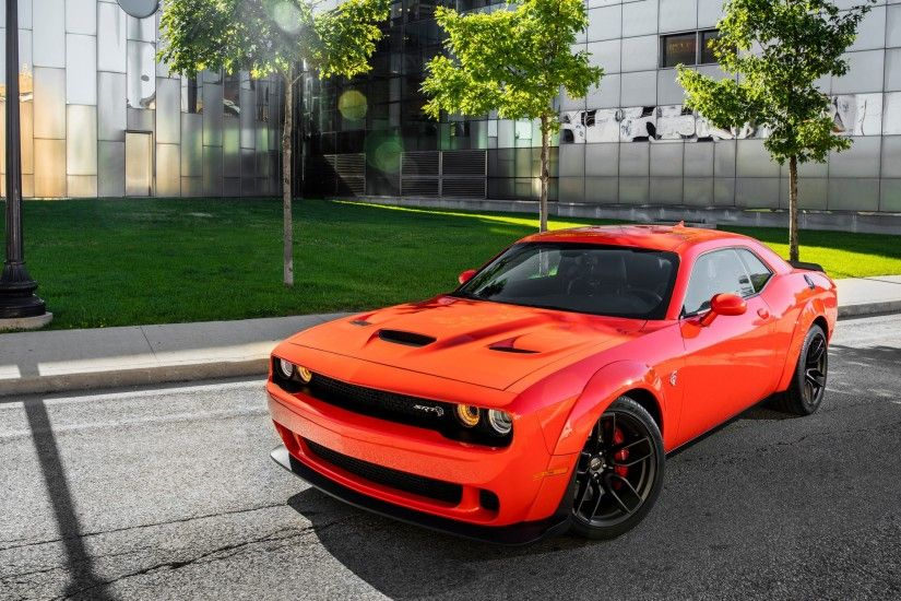 Tags: Dodge Challenger SRT Hellcat ...