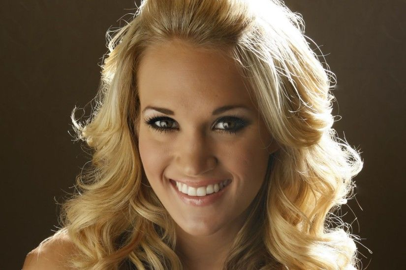 Gorgeous Carrie Underwood HD Wallpaper