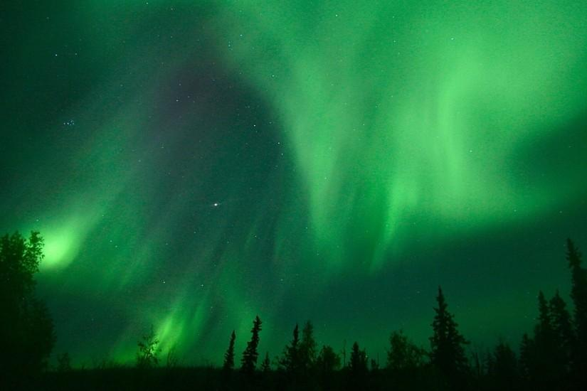 cool aurora borealis wallpaper 2880x1800 free download