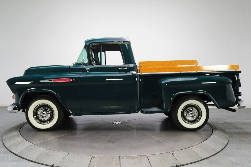 1957 Chevrolet 3100 Stepside Pickup || Forest Green Chevy Pick-up Truck  with white